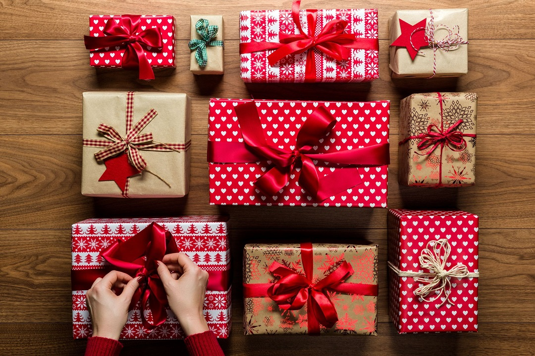 how-to-wrap-a-gift-1568128224
