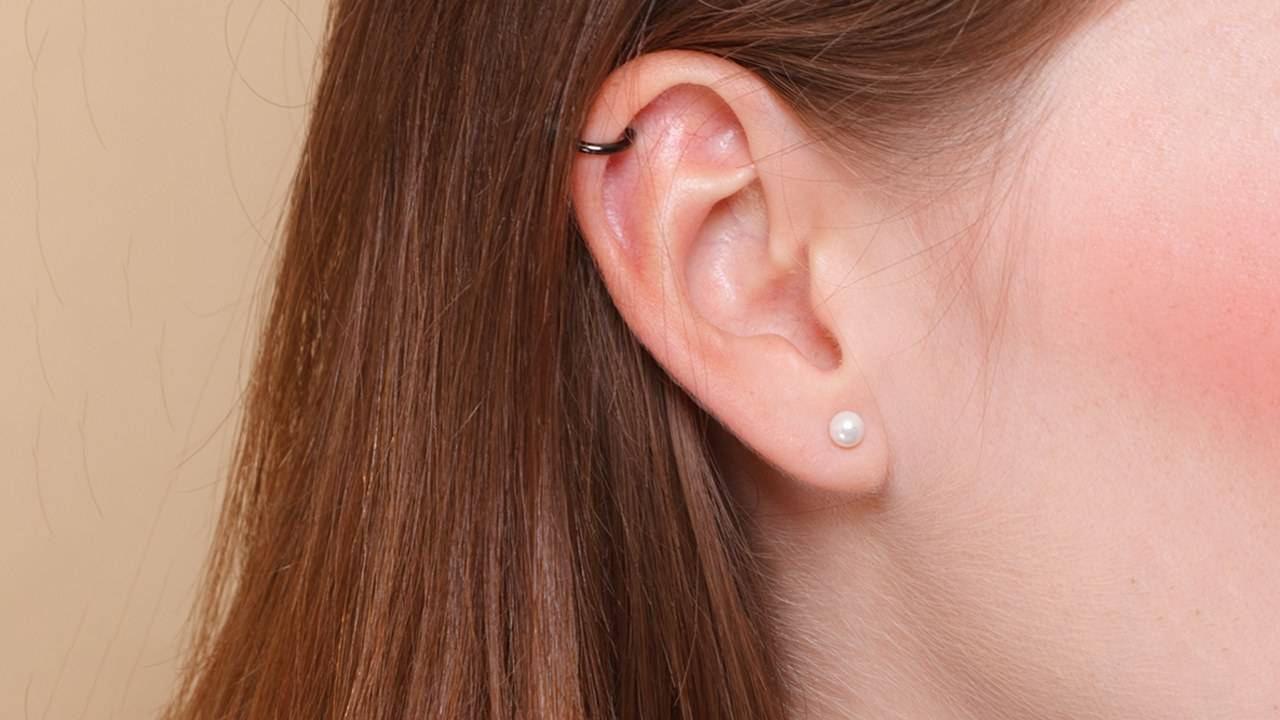 Loreal-Paris-Article-How-to-Care-for-and-Clean-Ear-Piercings-D